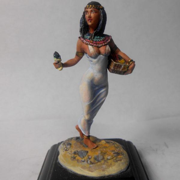 Египтянка с канопами