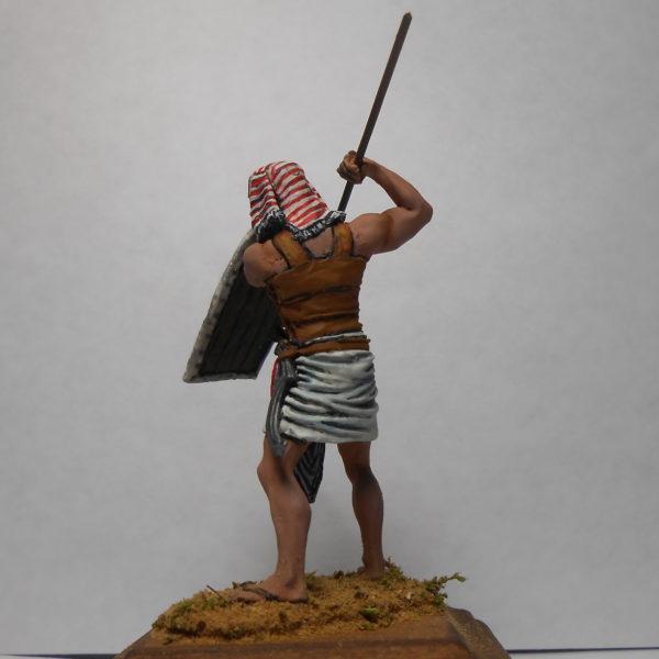 Египтянин бьющий копьём