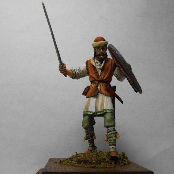 Викинг в шапке с мечом