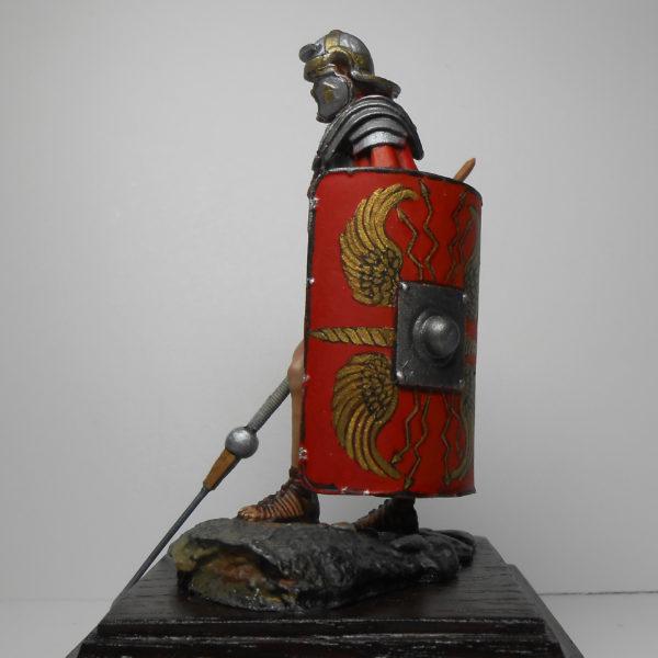 Легионер с пилумом, 1 век н.э.